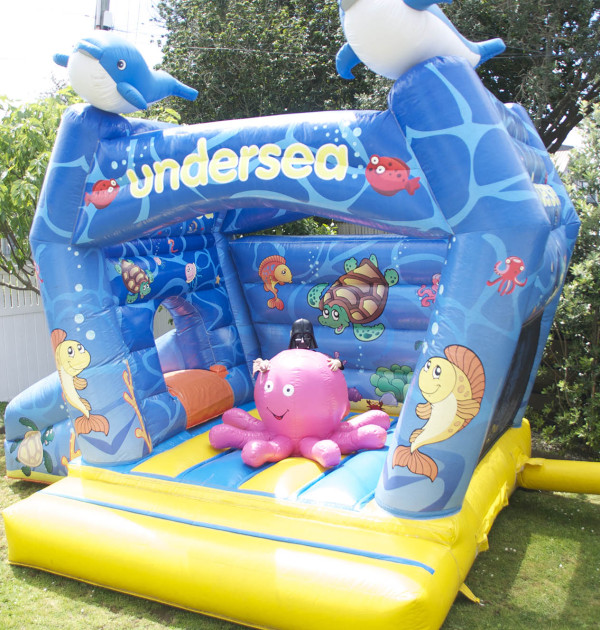 under-the-sea-bouncy-castle-4